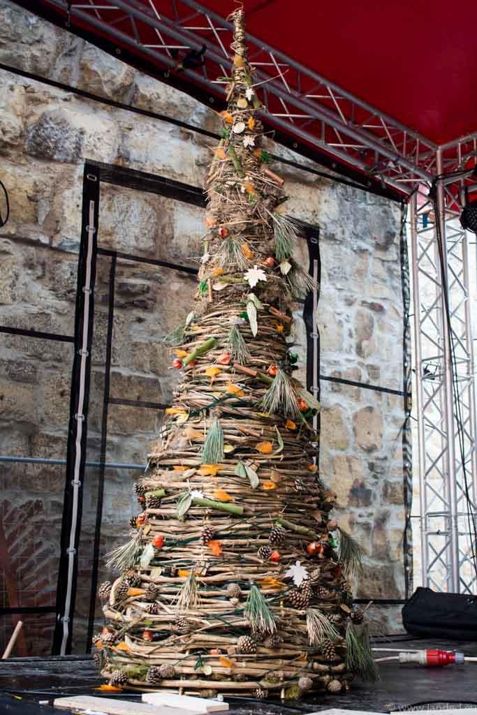 christmas street food festival tree