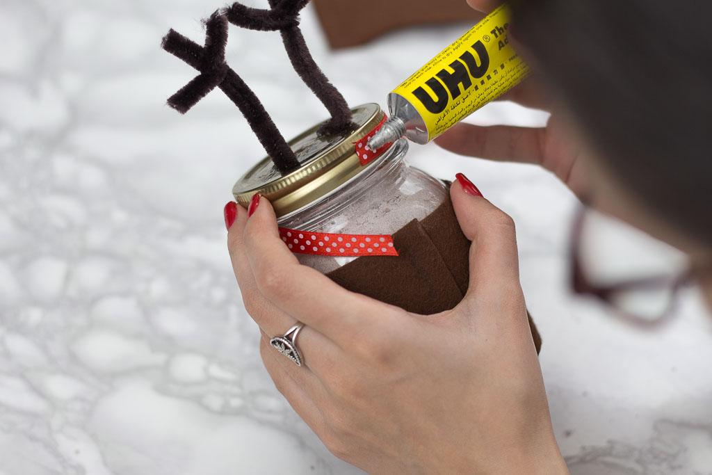make reindeer jars crafting project