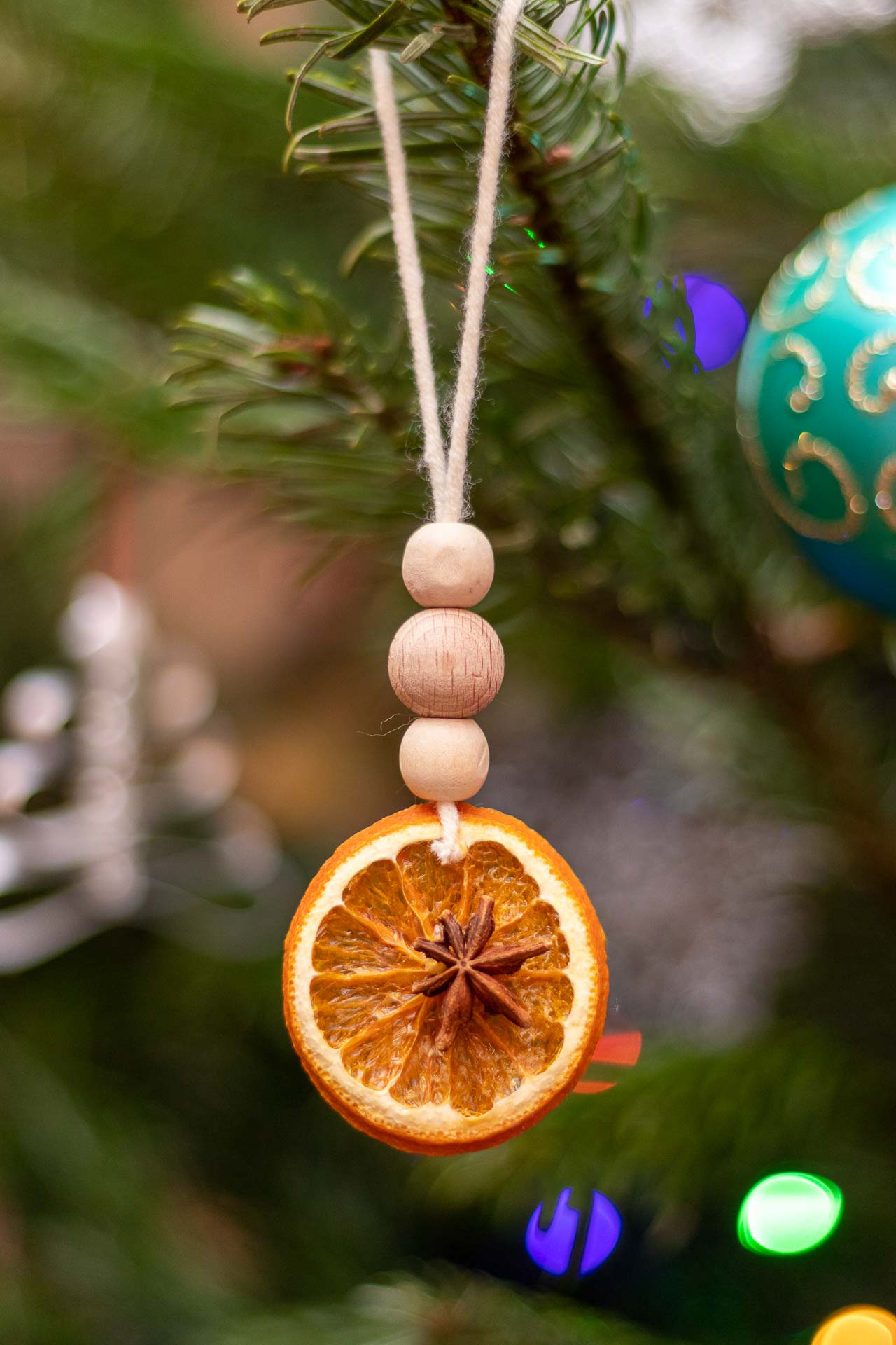 Diy Zero Waste Christmas Tree Decorations With Dried Orange Slices